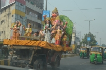 On the road to the Taj Mahal.